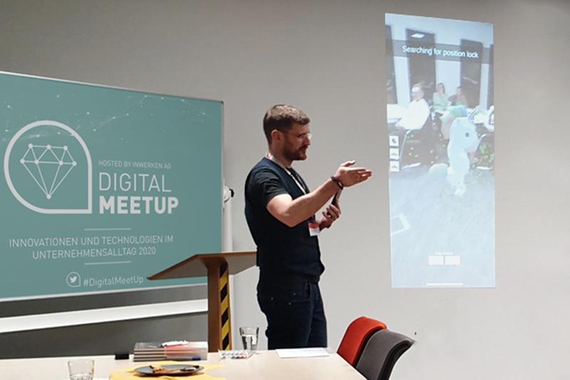 Digital MeetUp Präsentation mit Jens Thiemann und Einhorn